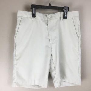 Greg Norman Golf Men's cream shorts (32)